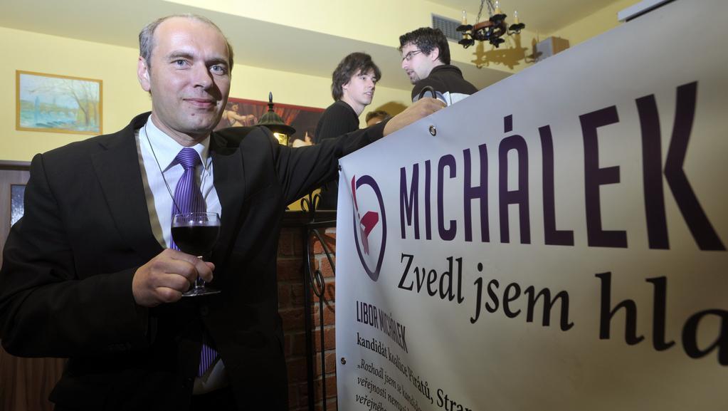 Libor Michálek slaví v pražské kavárně