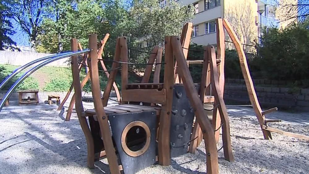 Staré železné atrakce nahradí v Hodoníně bezpečné prolézačky