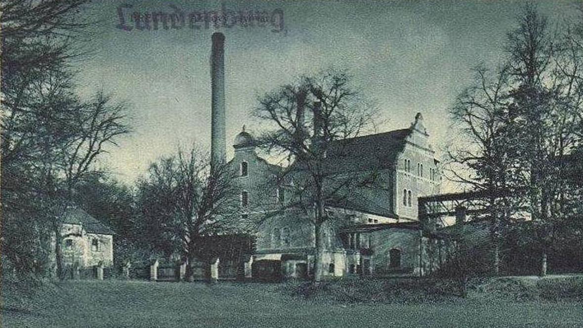 Břeclavský pivovar na historické pohlednici