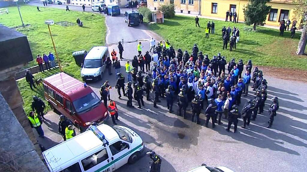 Policisté nacvičují zákrok při demonstraci