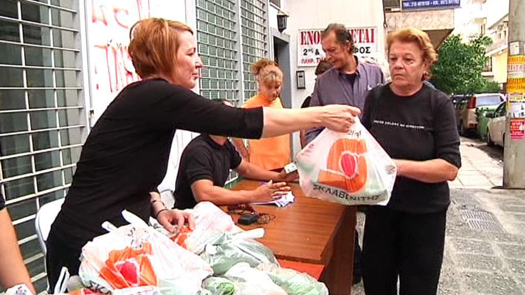 Výdej potravinové pomoci Zlatého úsvitu