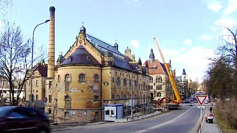 Historická budova lázní v Liberci