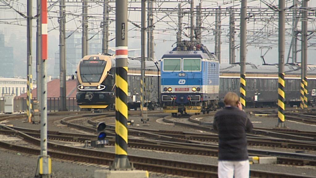 Jednotka a lokomotiva