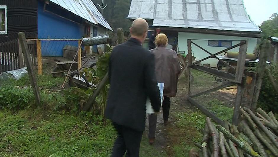 Na samoty Kopanic se jezdí s volební urnou