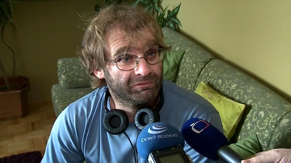 Režisér Tomáš Binter s monokly na očích