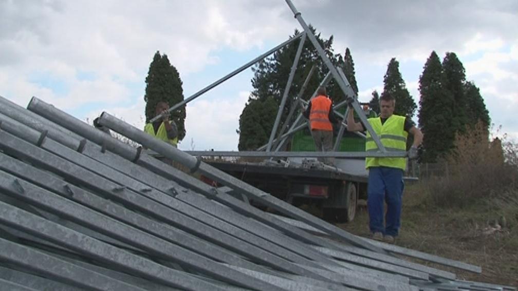 Z Ráječka mizí kontroverzní solární elektrárna
