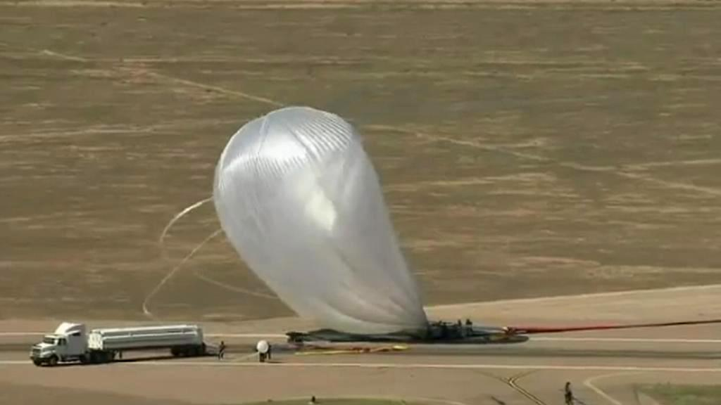 Balon, který vynese Felixe Baumgartnera