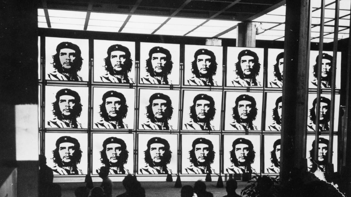 Portréty revolucionáře Che Guevary