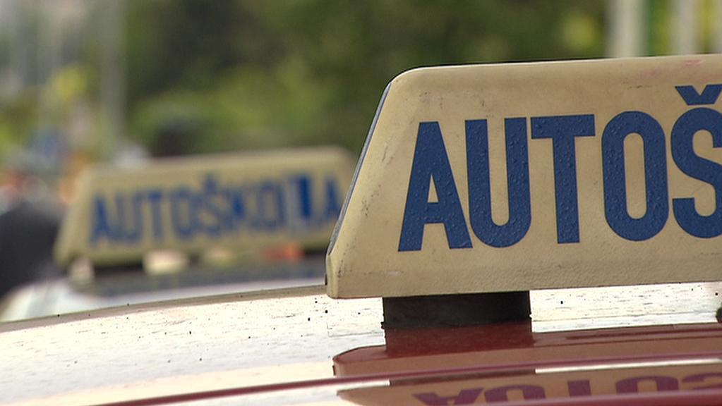 Autoškoly čekají změny