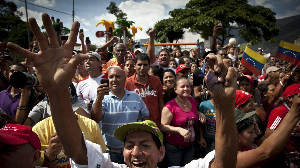 Chávezovi příznivci čekají na výsledky voleb