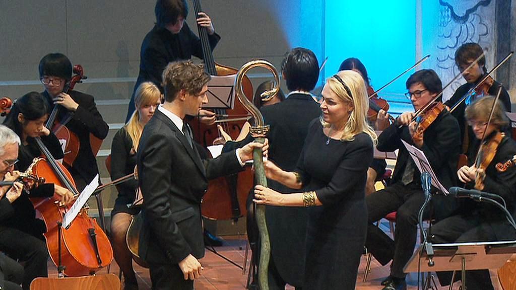 Předání ceny Vize 97 vnukovi Miloslava Petruska