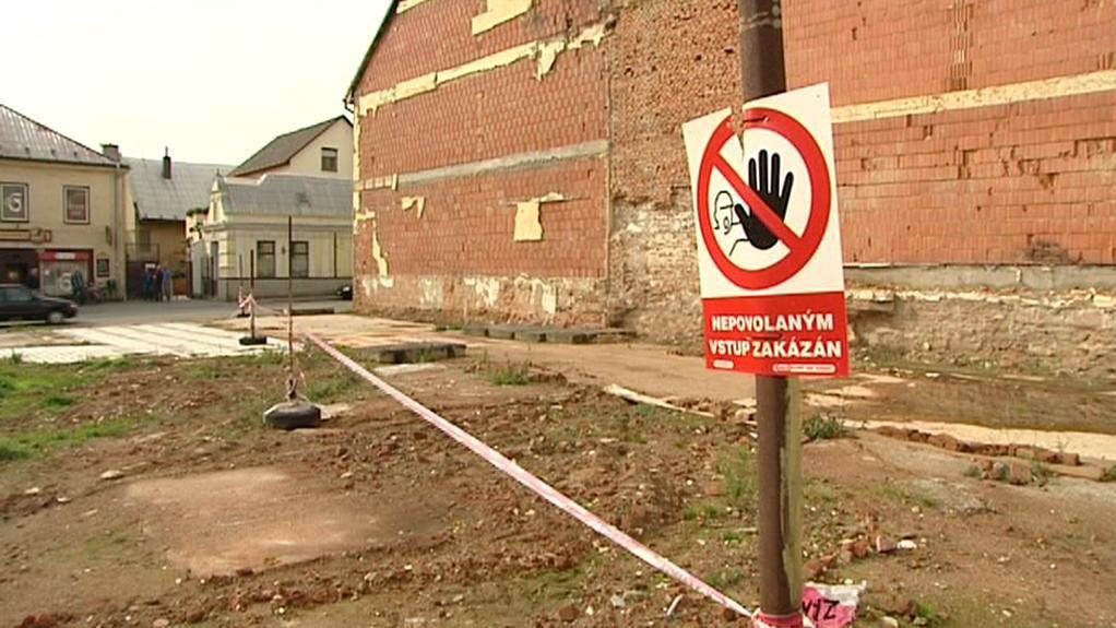 Parcela po vyhořelém hotelu Morava