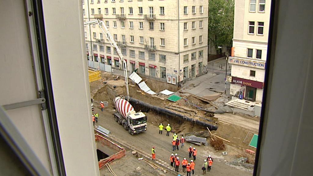 Díra ve varšavské ulici