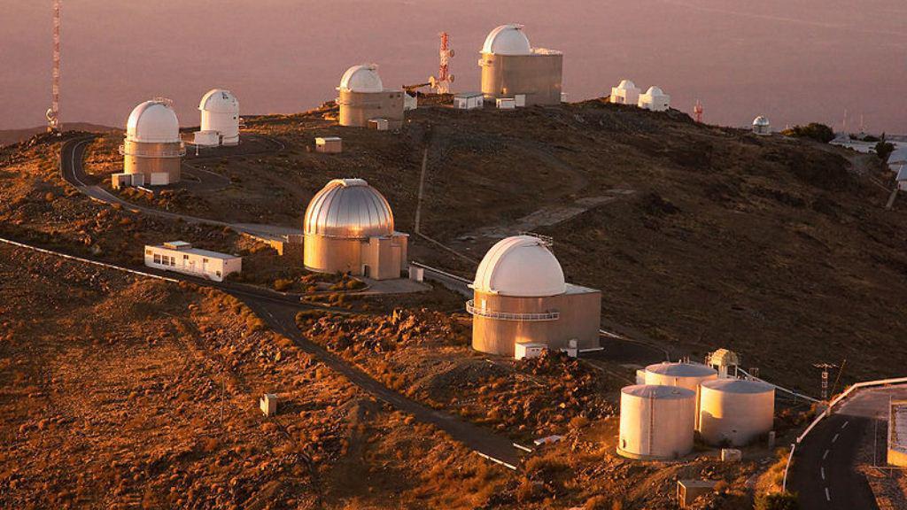 Prstenec dalekohledů na observatoři La Sila