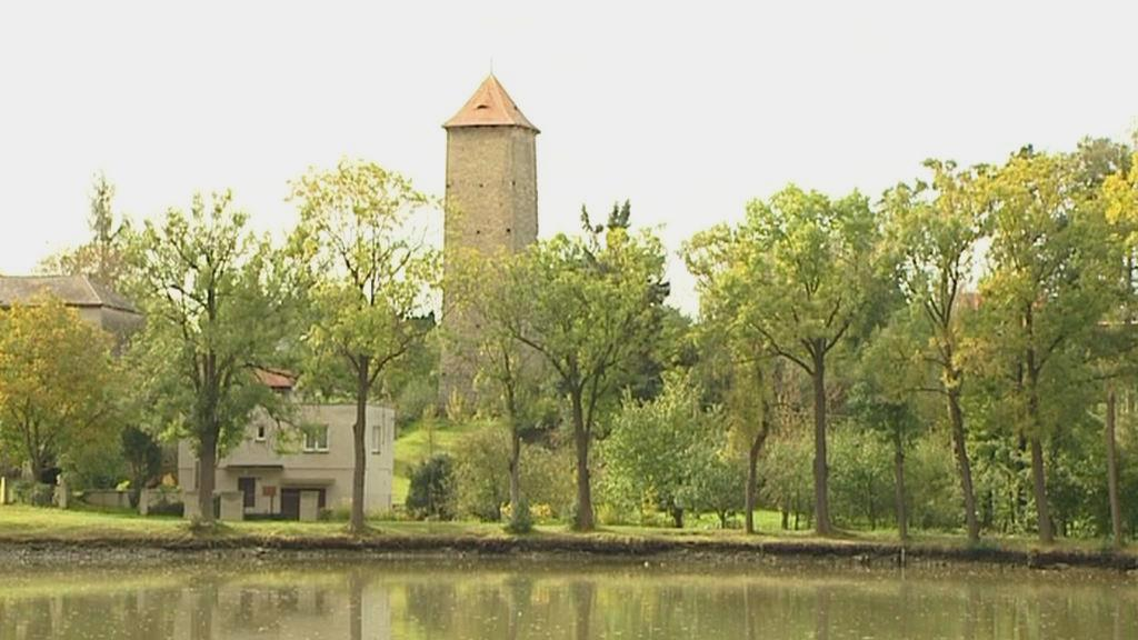 Chrastecká vodárenská věž