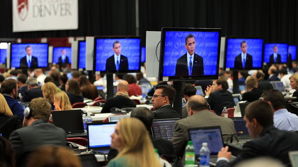 Novináří sledují poslední minuty prezidentské debaty