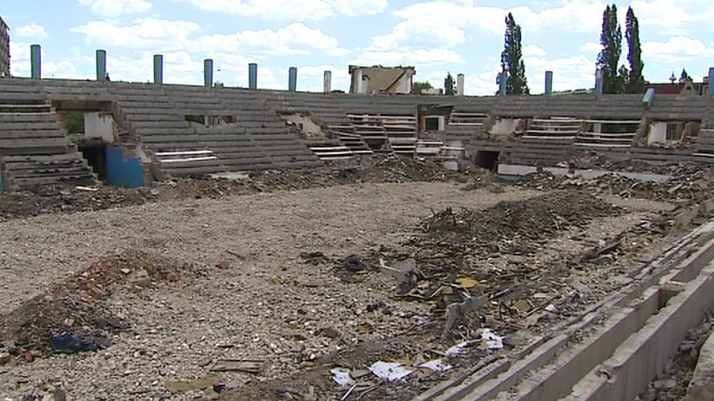 Ruina teplického zimního stadionu