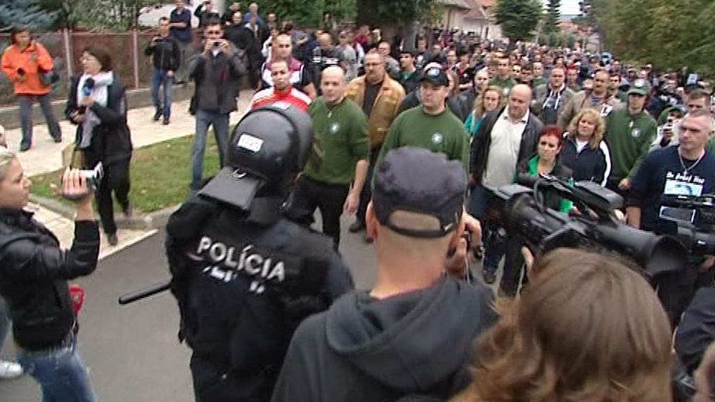 Policie zastavila extremisty u Krásnohorského Podhradí