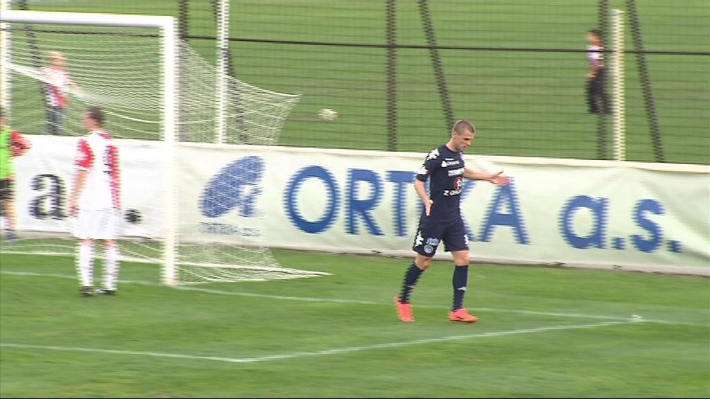 Hoffman oslavuje svoji trefu na 2:0 pro Slovácko
