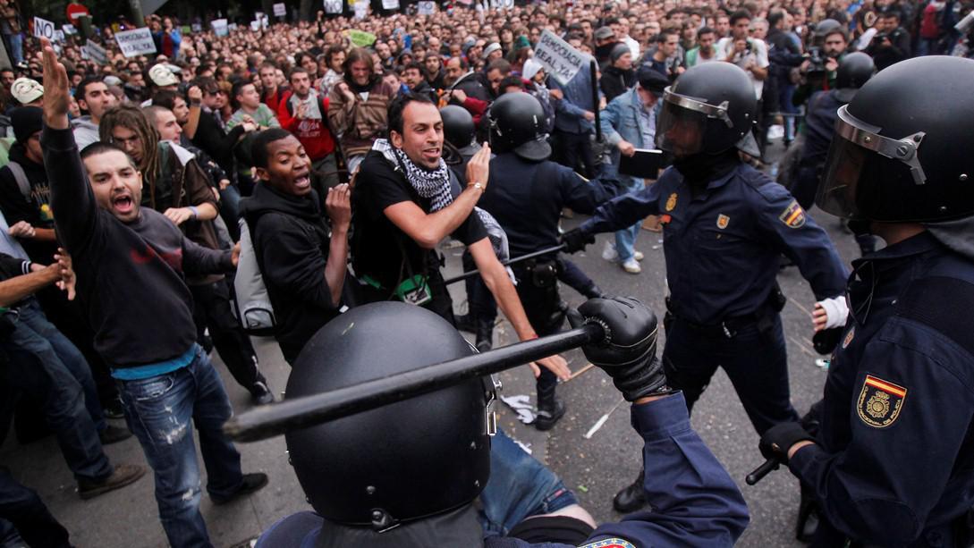 Demonstrace před španělským parlamentem