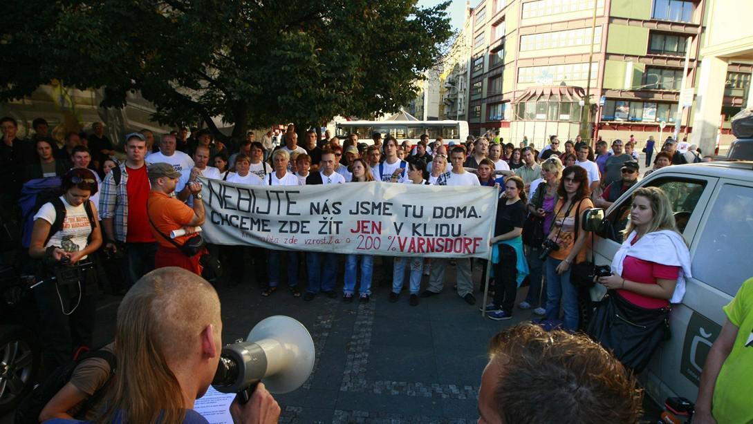 Loňské protesty varnsdorfských obyvatel v Praze na Palackého náměstí a u Úřadu vlády (říjen 2011)