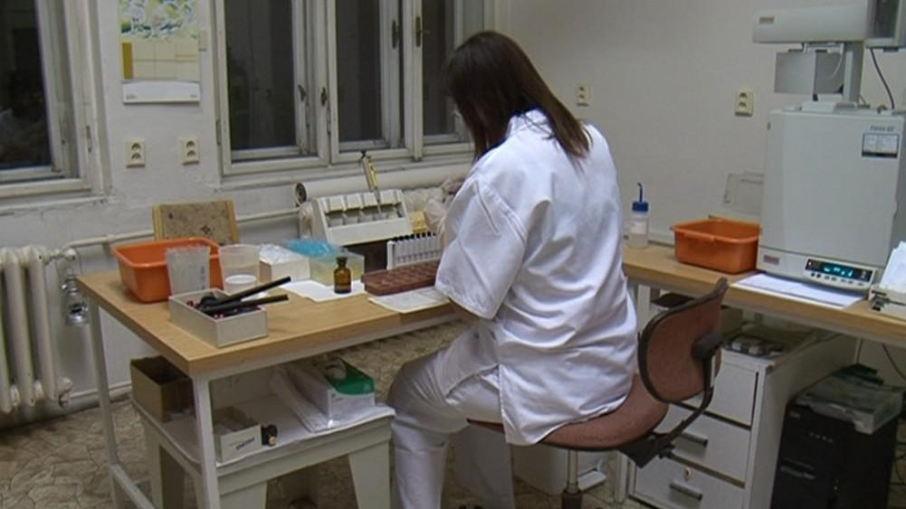 Vzorky z nemocnic je nutné před testováním připravit