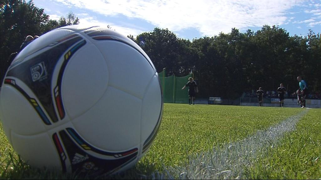 Grande Paolo se vrátil na zelený trávník, aby předvedl své fotbalové umění