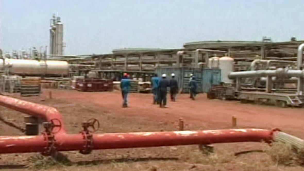 Těžba ropy na jihu Súdánu