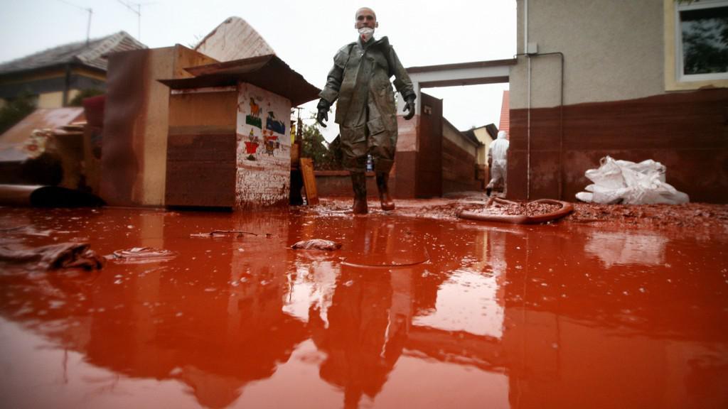 Ekologická katastrofa v maďarské hliníkárně