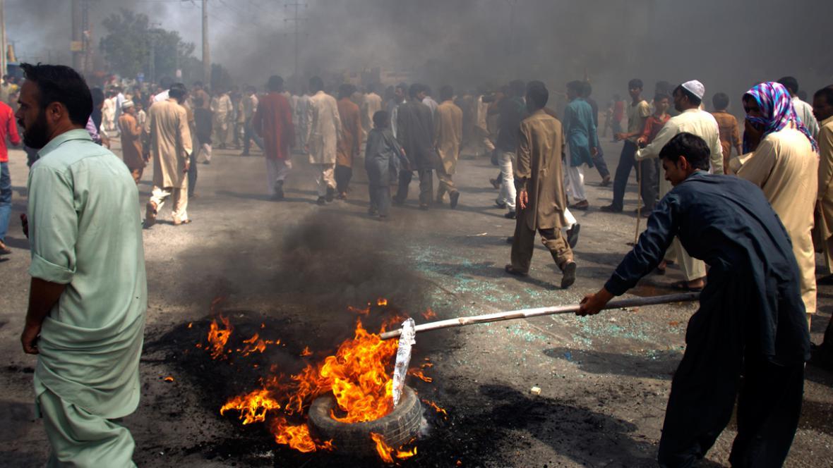 Pákistánské protesty proti filmu Nevinnost muslimů