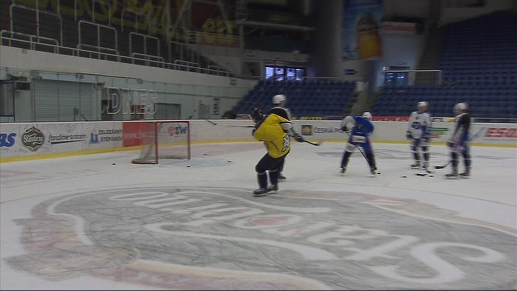 Hráči Komety se v trénincích postaví proti hvězdě NHL