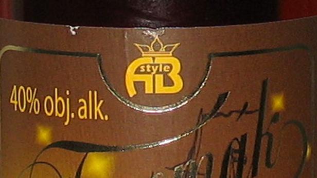 Neokolkované láhve s touto etiketou mohou být nebezpečné