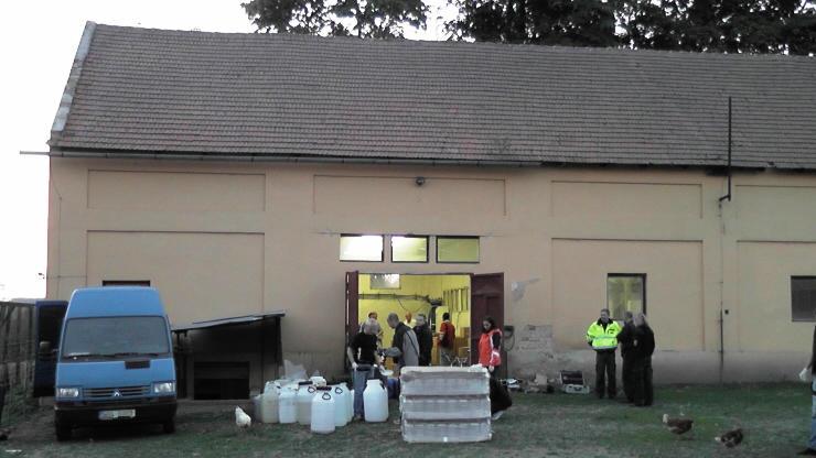 Nelegální stáčírna v Plesné