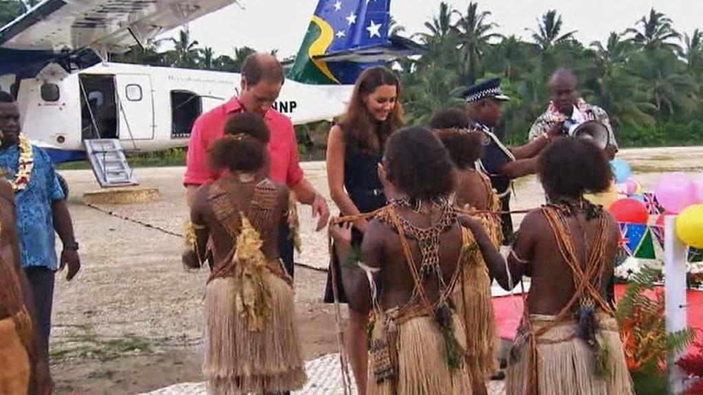 Princ William s manželkou Kate na Šalamounových ostrovech