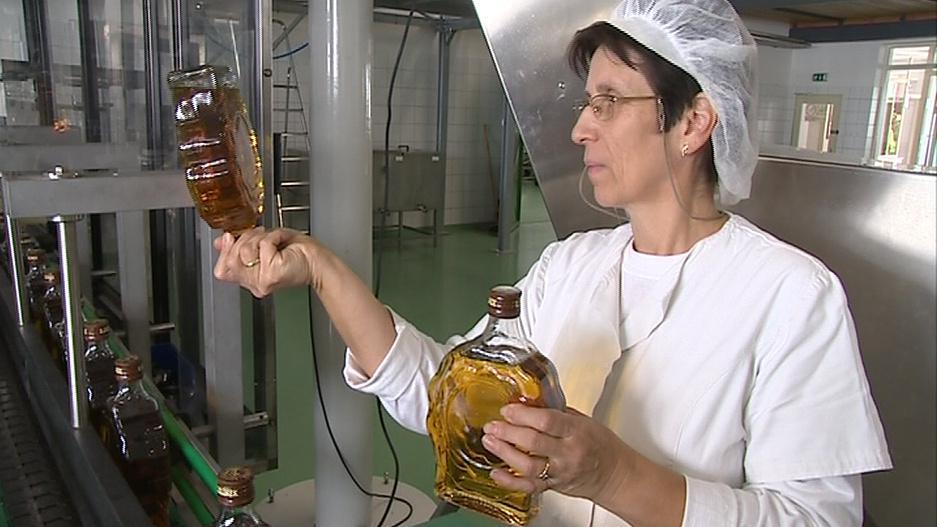 Vedení likérky zvažuje omezení výroby