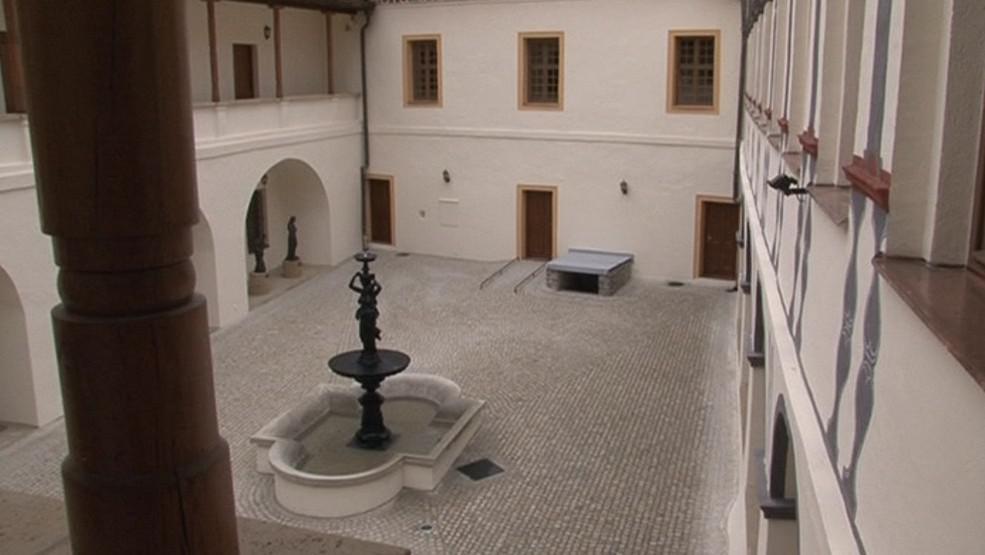 Zrekonstruované nádvoří blanenského zámku