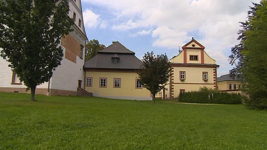 Harrachovské budovy v Horní Branné