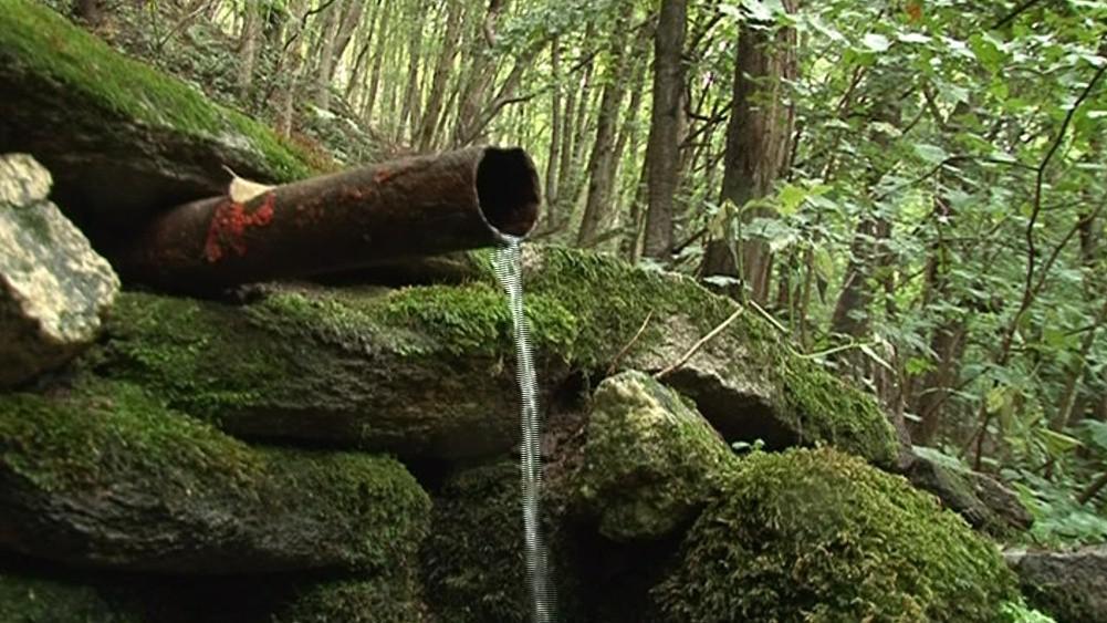 Ve studánkách teče voda málo nebo i vůbec