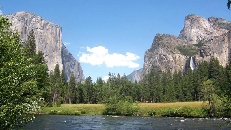 Yosemitský národní park - řeka Merced