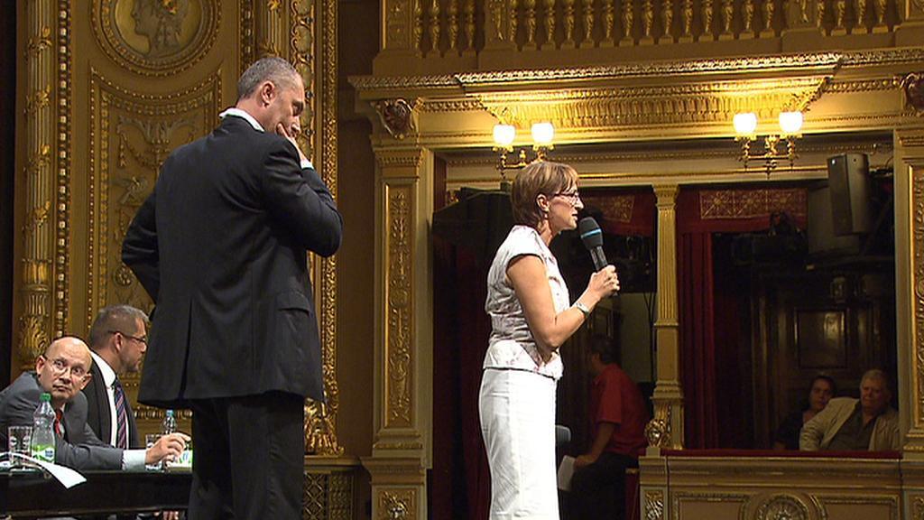 Alena Hanáková diskutuje v Národním divadle