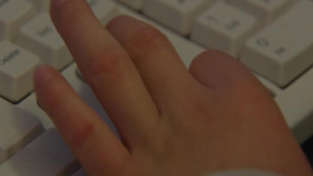 Používání internetu dětmi má podle odborníků výhody i rizika