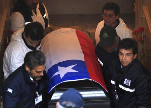 V Chile exhumovali ostatky Salvadora Allendeho