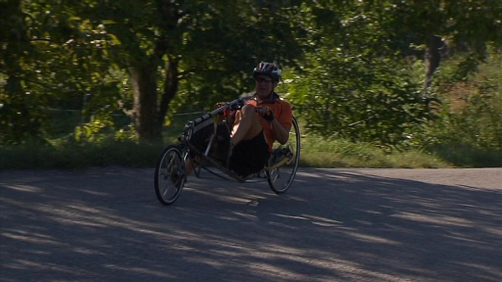 Kromě ultramaratonské špičky nechyběli ani hobby jezdci