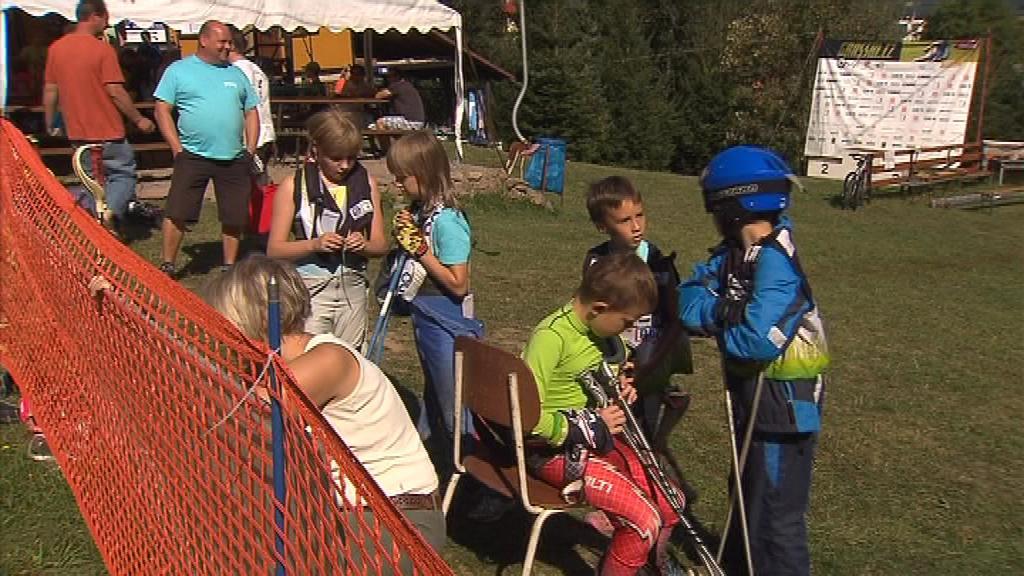 Na republikovém šampionátu se představily i malé naděje travního lyžování