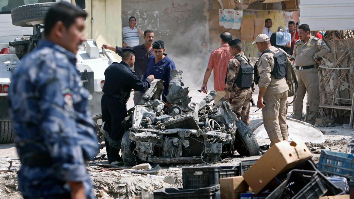 Následky atentátu v irácké Basře