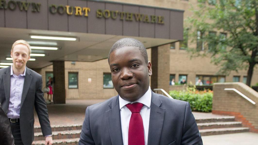 Bývalý makléř UBS bude souzen pro neschválené transakce