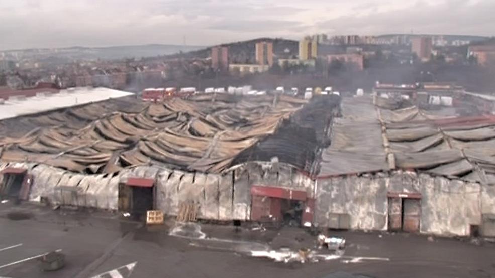 Tržnice zničená požárem