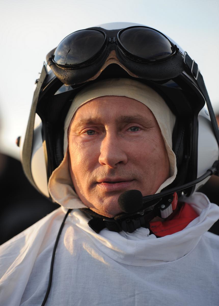 Vladimir Putin vedl se svým kluzákem jeřáby