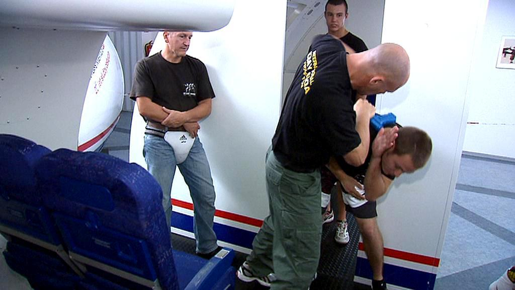 Cvičení na ruzyňském letišti