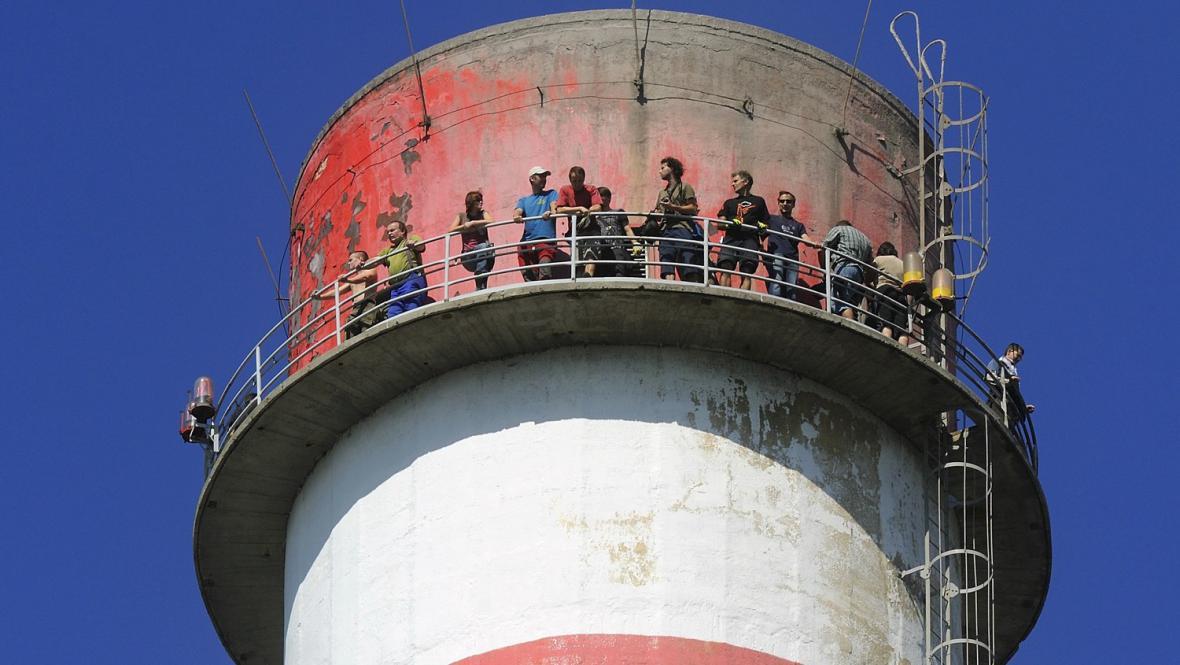 Komínáři se kochali výhledem z výšky 170 metrů